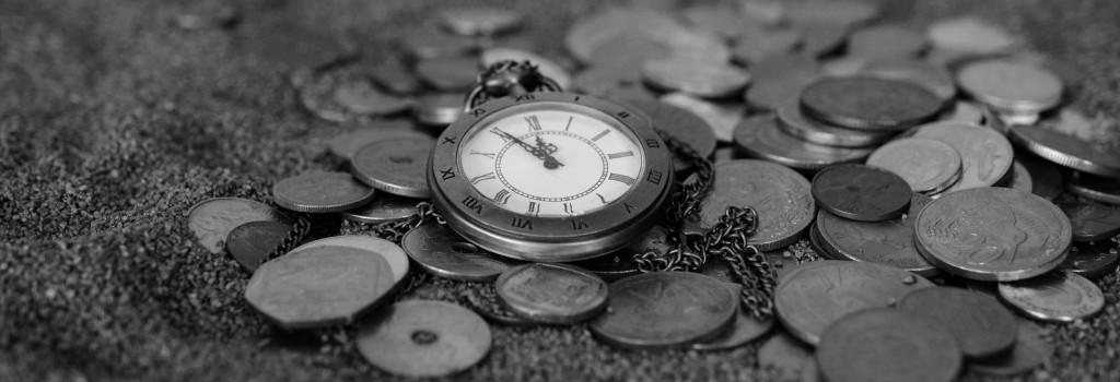 antique-black-and-white-clock-210590